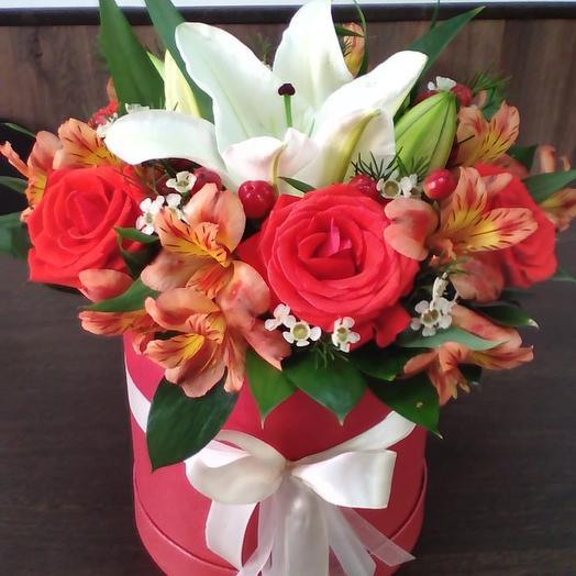 Шляпная коробка «Хороший день»: букеты цветов на заказ Flowwow