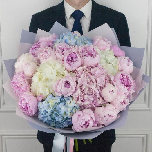Букет их гортензий и пионов размера L: букеты цветов на заказ Flowwow