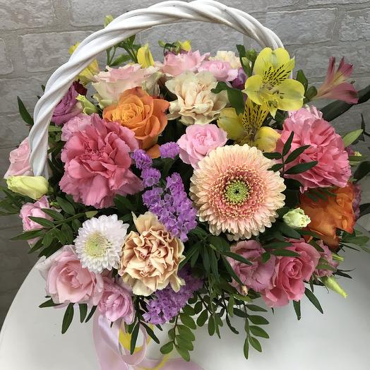 Цветочные радости - корзина с цветами: букеты цветов на заказ Flowwow
