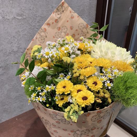Букет с хризантемой: букеты цветов на заказ Flowwow