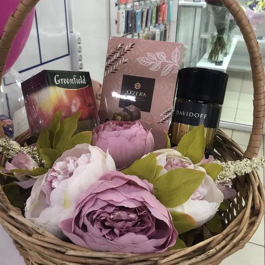 Корзина к 1 сентября: букеты цветов на заказ Flowwow
