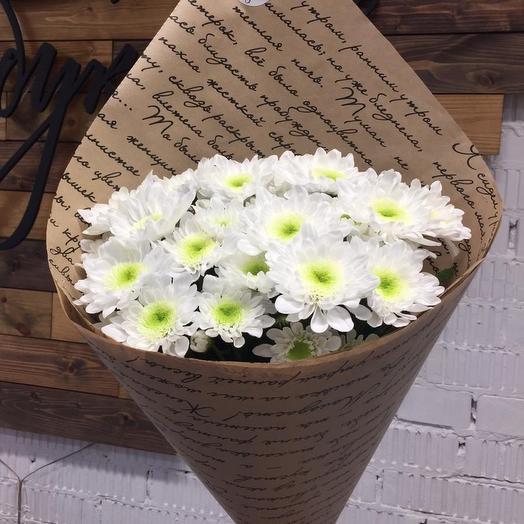 Кустовая хризантема в крафте: букеты цветов на заказ Flowwow