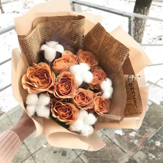 Розы и хлопок: букеты цветов на заказ Flowwow