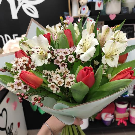 Любовный фейерверк: букеты цветов на заказ Flowwow