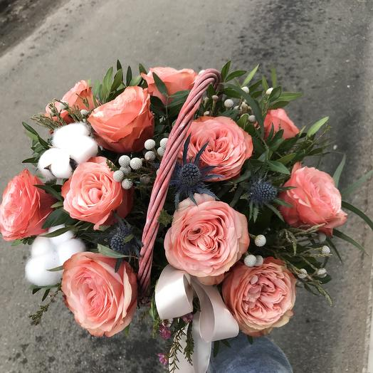Композиция в корзинке ,Нежность хлопка: букеты цветов на заказ Flowwow