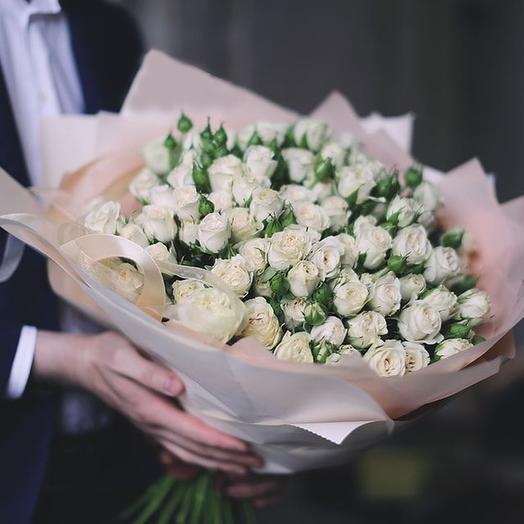 Большой букет из белых кустовых роз Сноу Флейк, 39 шт