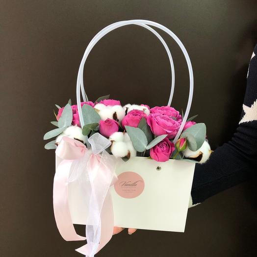 Сумочка с пионовидной розой и хлопком