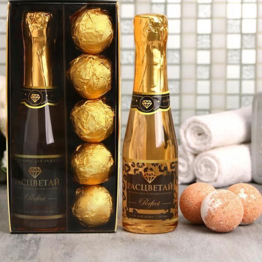 """Набор """"С 8 Марта!"""" гель для душа 250 мл аромат шампанского, бомбочки для ванн 5 шт"""