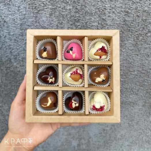 Подарочный набор шоколадных конфет 9 штук