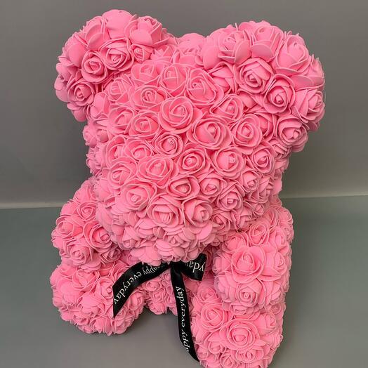 Мишка из искусственных красных роз