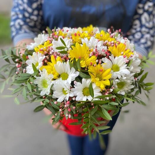 Цветы в коробке «Микс ромашек»