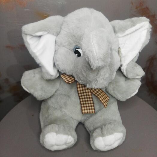 Плюшевый слонёнок