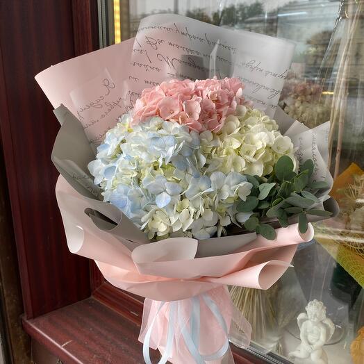 Букет цветов « разноцветная Гидрангия»