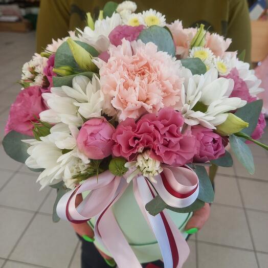 Цветы в коробке для любимой