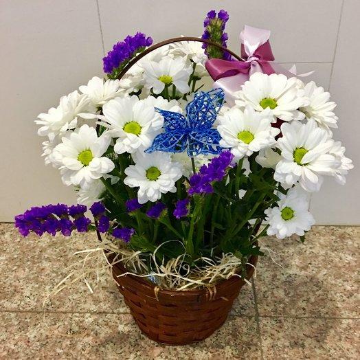 Корзинка с ромашками: букеты цветов на заказ Flowwow