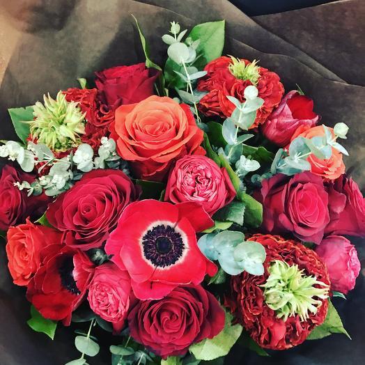 Авторский букет Lady in Red: букеты цветов на заказ Flowwow