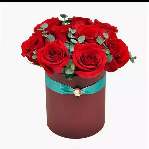9 роз в коробке: букеты цветов на заказ Flowwow