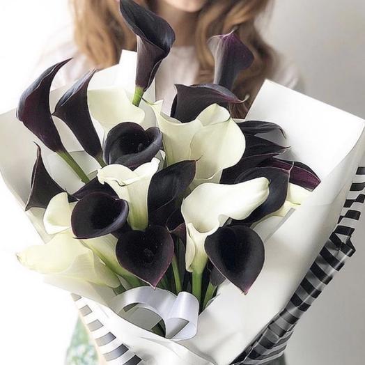 Изящные Каллы: букеты цветов на заказ Flowwow