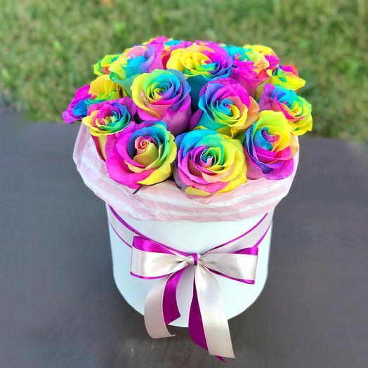 Коробочка с радужными розами
