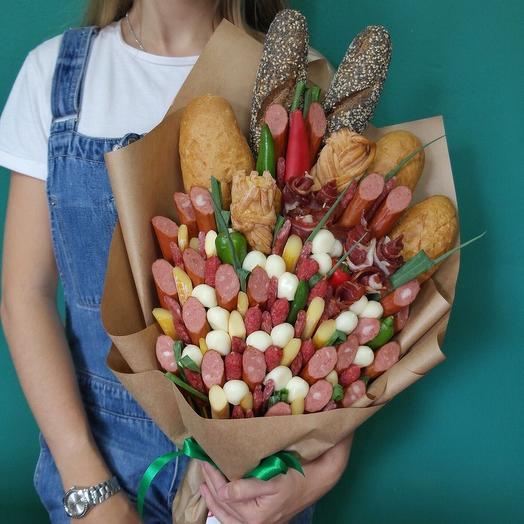 Сырно-колбасное ассорти: букеты цветов на заказ Flowwow