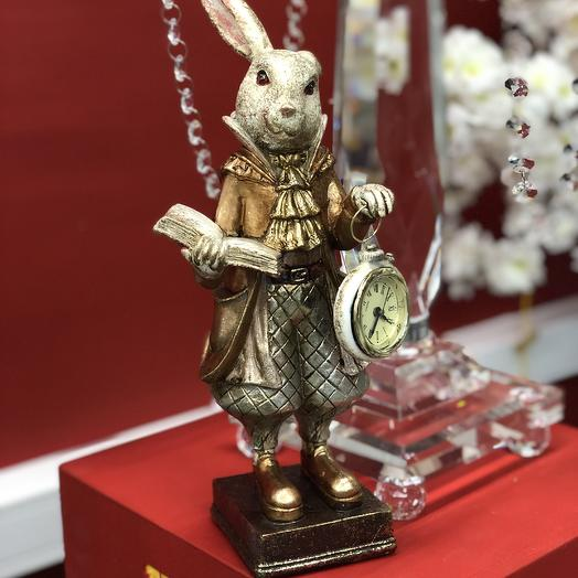 Кролик с часами: букеты цветов на заказ Flowwow