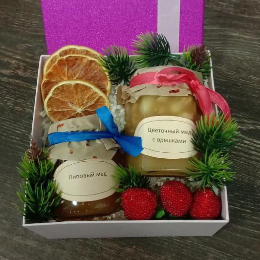 Новогодняя коробочка 6: букеты цветов на заказ Flowwow