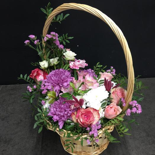 Большая цветочная корзина «Ароматное ассорти»: букеты цветов на заказ Flowwow