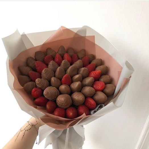 Букет из клубники в шоколаде «Грация»