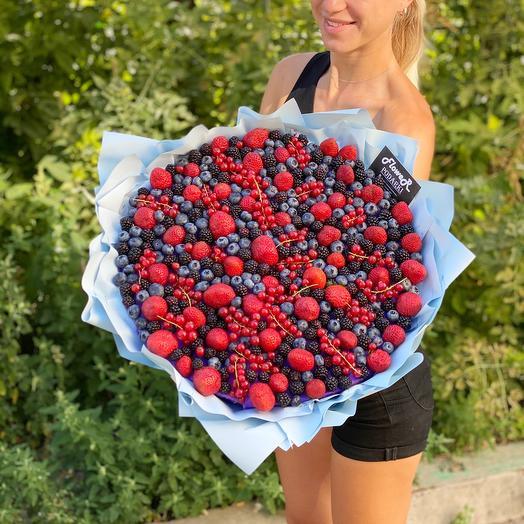 "Bouquet ""Berry boom"""