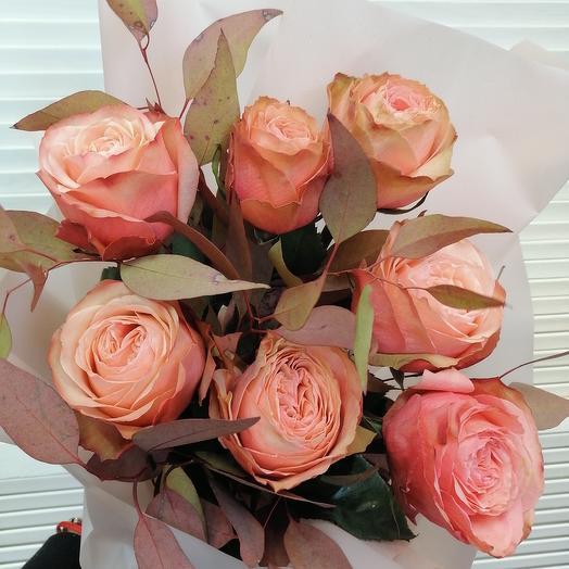 Пионовидная роза с эвкалиптом 🌺