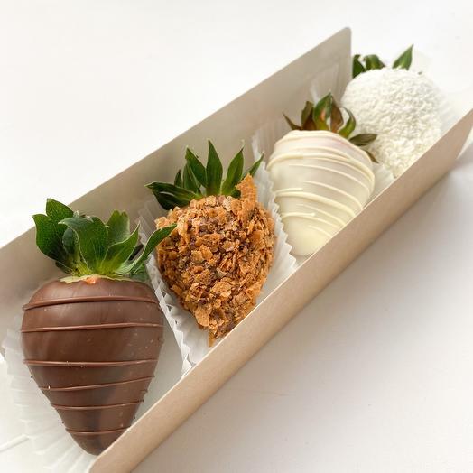 Комплимент клубника в шоколаде