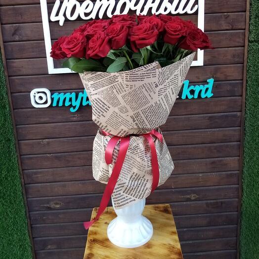 Букет из 35 ароматных красных роз