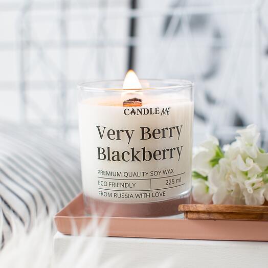 Свеча ароматическая Very Berry Blackberry/ Очень ягодная - с деревянным фитилем, аромасвечи CANDLE ME