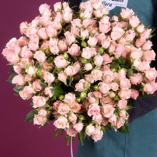 Букет из 29 розовых кустовых роз