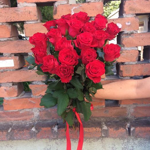 Букет из 21 красной кенийская роза: букеты цветов на заказ Flowwow