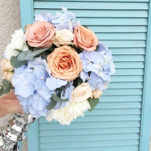 Букет с гортензией и розой Капучино: букеты цветов на заказ Flowwow