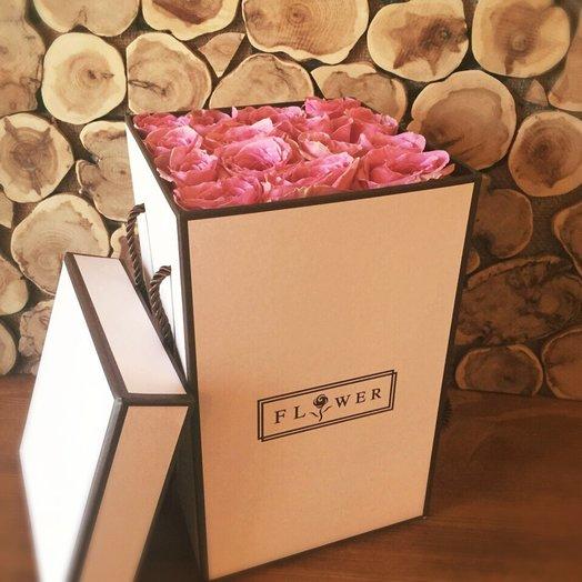Розовая роза в коробке: букеты цветов на заказ Flowwow