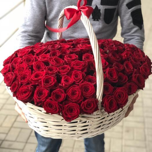 Ароматные розы в корзинке: букеты цветов на заказ Flowwow