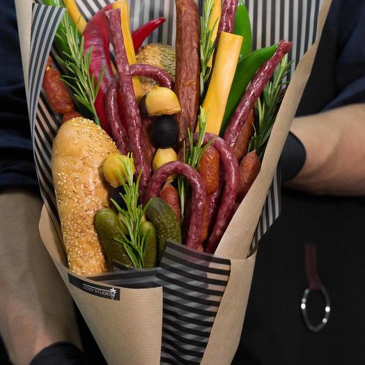 Мужской букет из колбасы 16: букеты цветов на заказ Flowwow