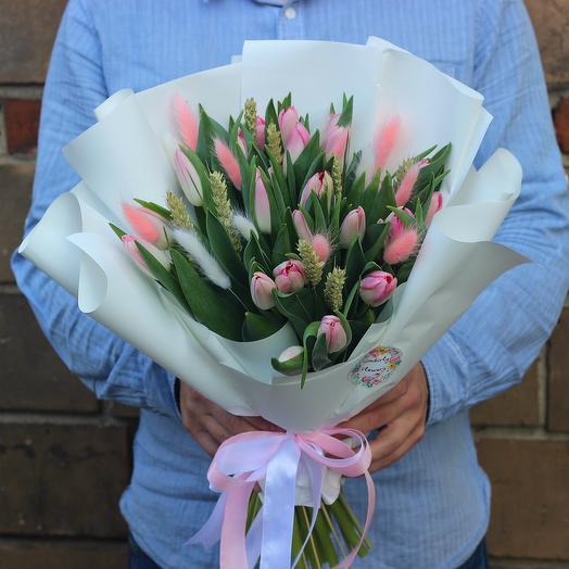 Тюльпаны с сухоцветами: букеты цветов на заказ Flowwow