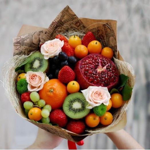 Фруктовый букет «Праздник»: букеты цветов на заказ Flowwow