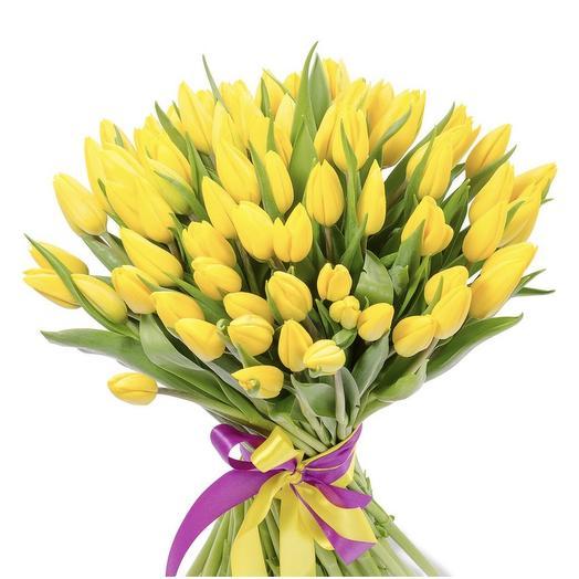 51 желтый тюльпан: букеты цветов на заказ Flowwow