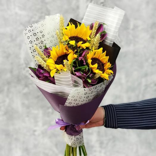 Подсолнухи в букете с пшеницей: букеты цветов на заказ Flowwow