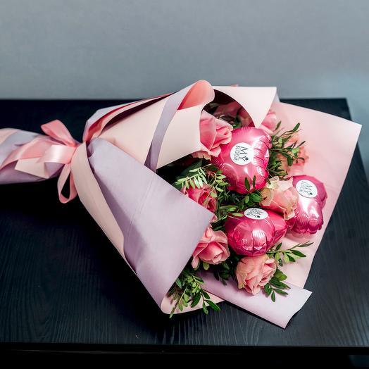 Букет из роз с шариками: букеты цветов на заказ Flowwow