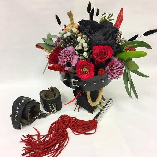 Букет Власти с аксессуарами: букеты цветов на заказ Flowwow