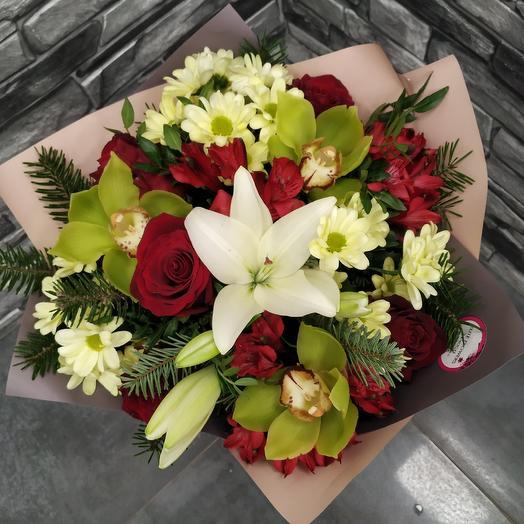 Стильный букет с орхидеей, розой и альстромерией: букеты цветов на заказ Flowwow