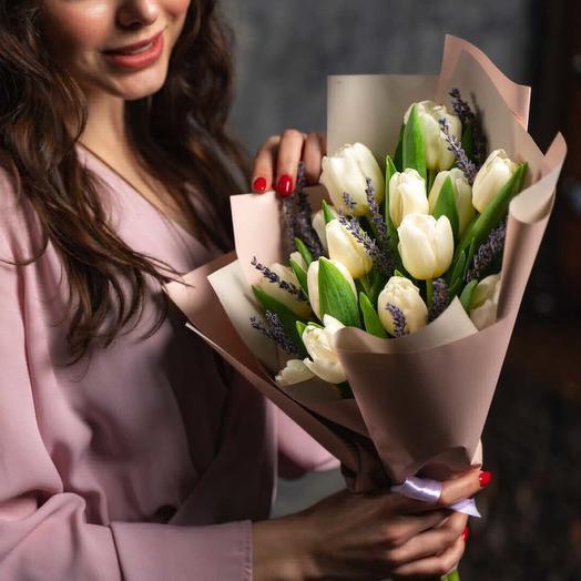 Знаки внимания: букеты цветов на заказ Flowwow
