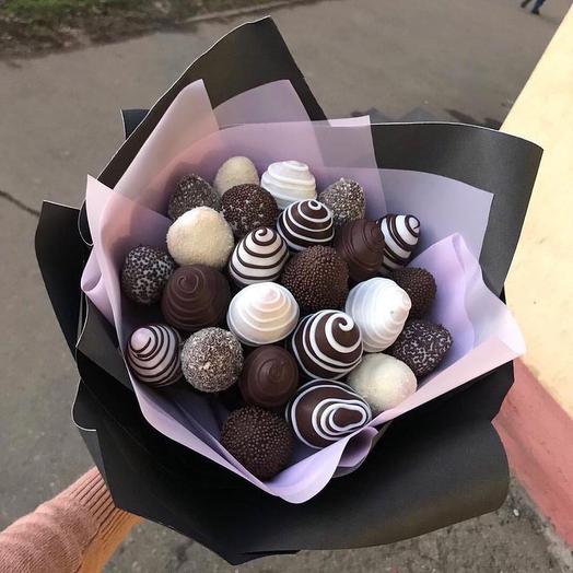 Букет из клубники в шоколаде «Черно-белое»