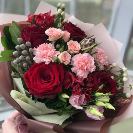Красно-розовый букет