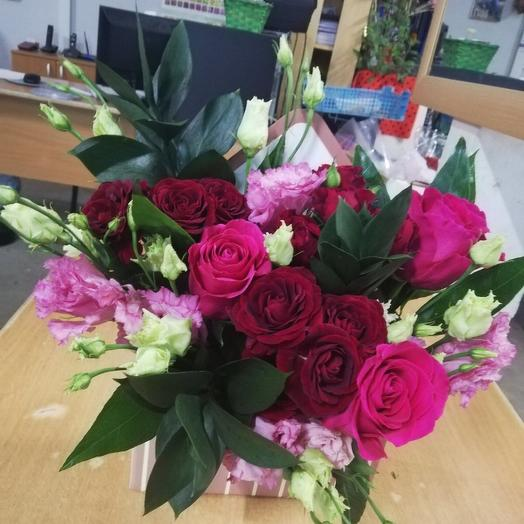 Цветы в коробке «Комплимент»